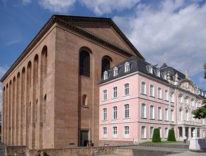 Trier_Kurfuerstliches_Palais_BW_4