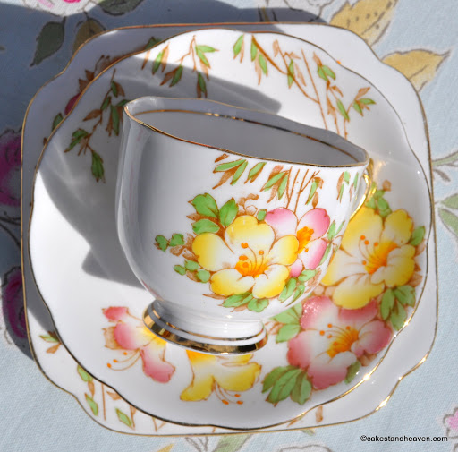 Roslyn Azalea by Reid & Co., Staffordshire c.1937