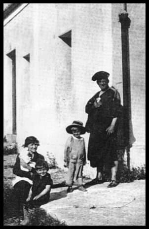 Family Photograph Of Crowley, Aleister Crowley