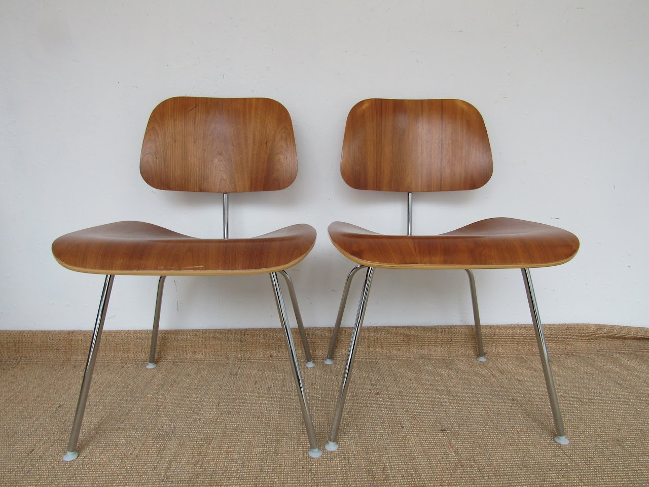 Eames Molded Plywood Chair Pair (8)