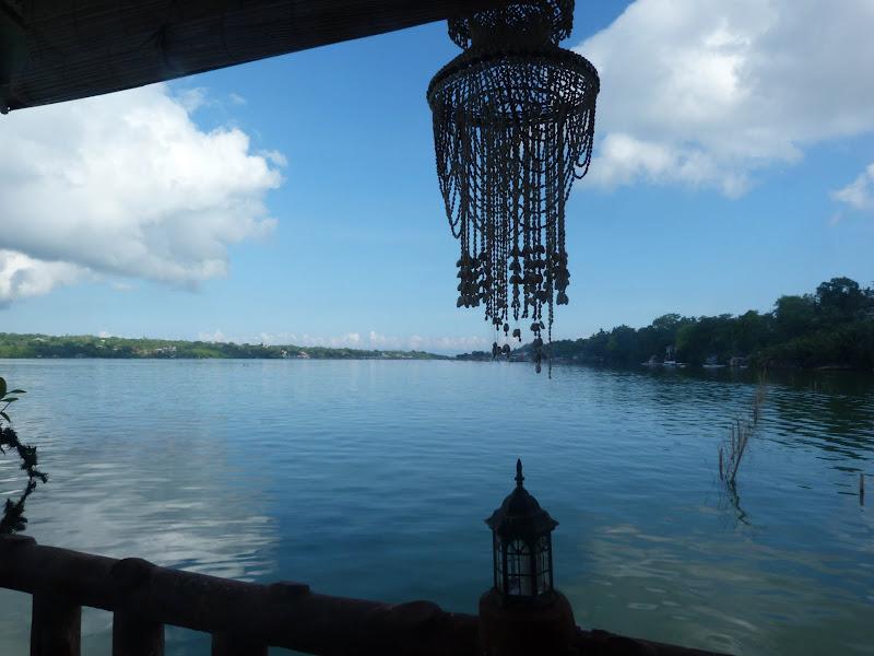 Villa Alzhun, Tagbilaran . En face, à gauche île de Panglao
