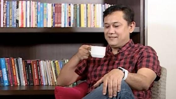 Denny Siregar Singgung Partai Pelit Tak Transfer Dana Demo, Netizen: Partai Keraton Hambalang Ya?