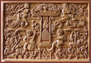 Atril de música. Talla en madera