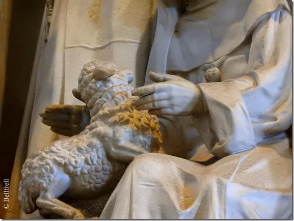 Hand mit Lamm San Pietro