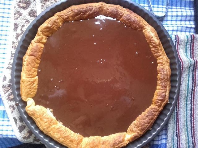 Tarta De Hojaldre Y Ganache De Chocolate Negro