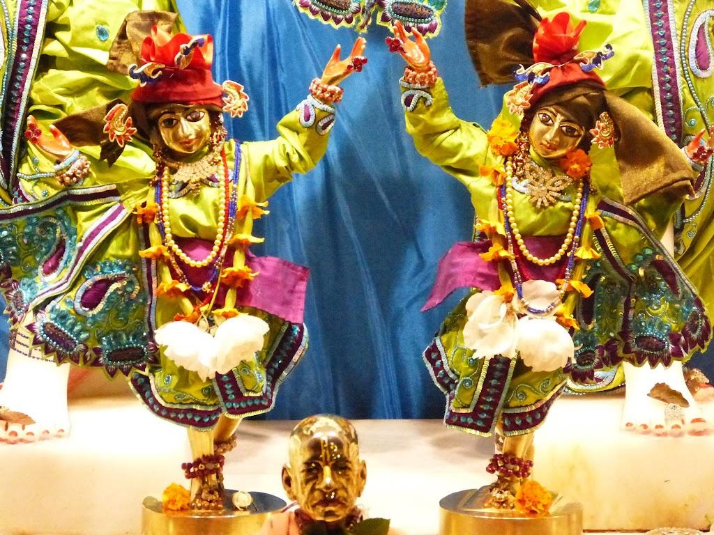 ISKCON New Govardhan Deity Darshan 01 Mar 2016 (13)