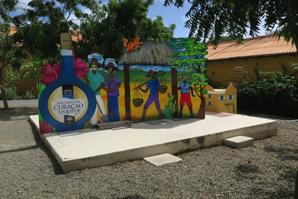 Curaçao Shape