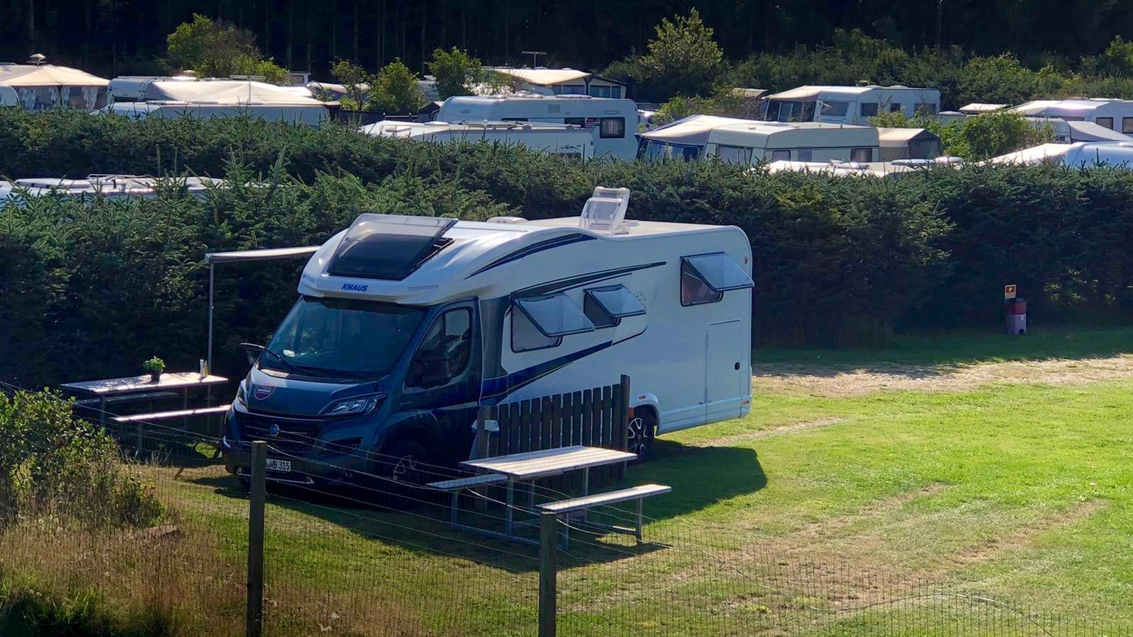 Dänemark-Rundreise im Sommer 2020: Knaus Wohnmobil auf dem Campingplatz Grønhoj Camping
