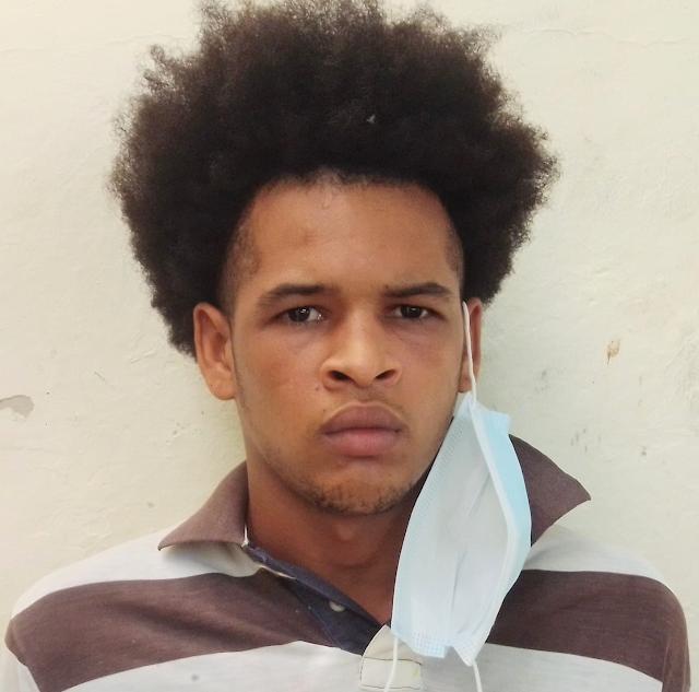 """Policia Nacional arresta a """"LA MANDARRIA"""" profugo por supuesto homicidio y violación de una menor"""