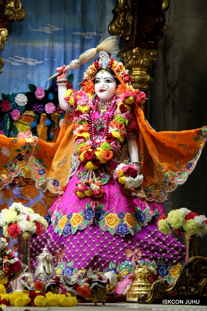 ISKCON Juhu Sringar Deity Darshan on 29th Sep 2016 (23)