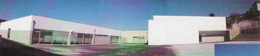 centro escolar de S. Martinho de Mouros.JPG