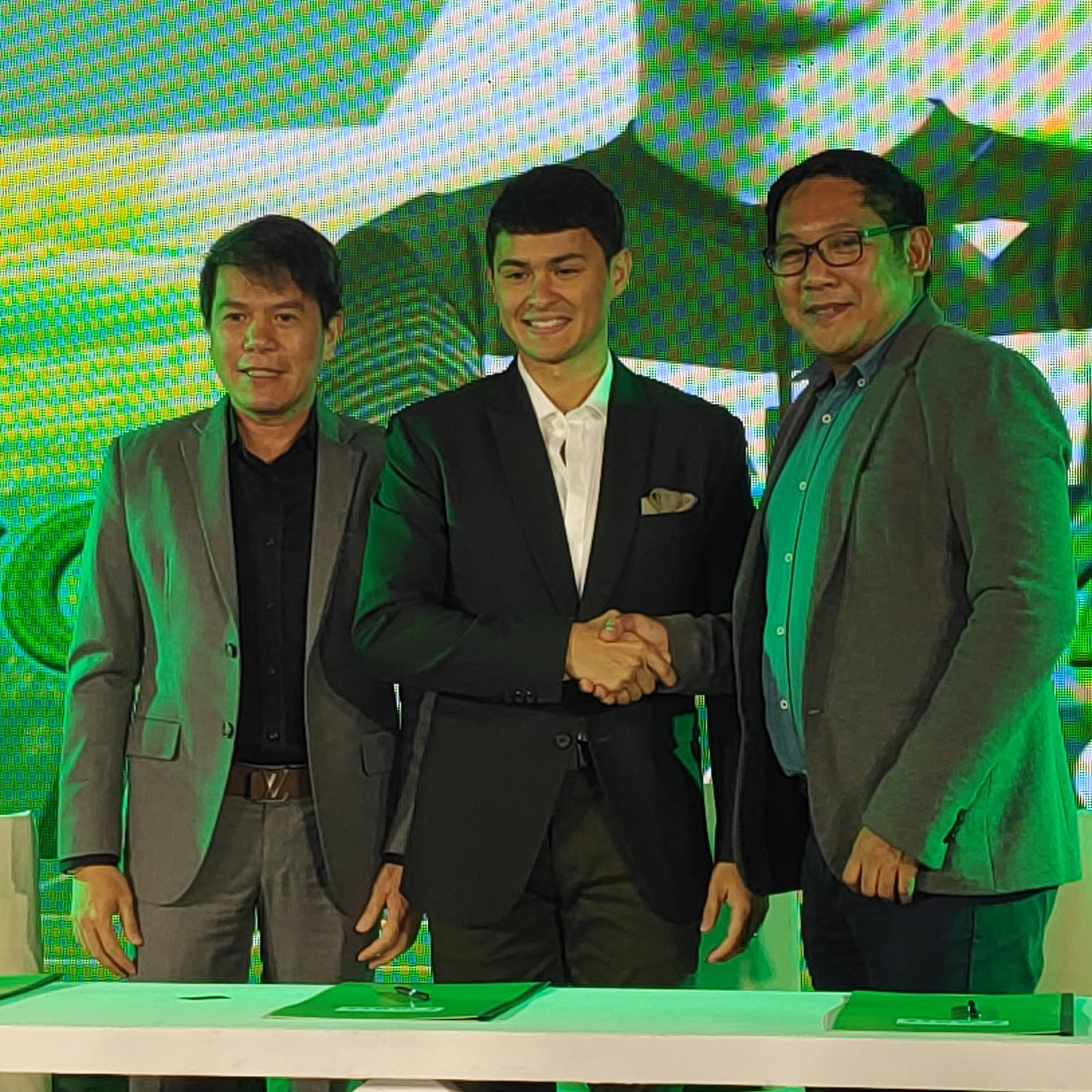 Matteo Guidicelli with Santé Barley's Bosses