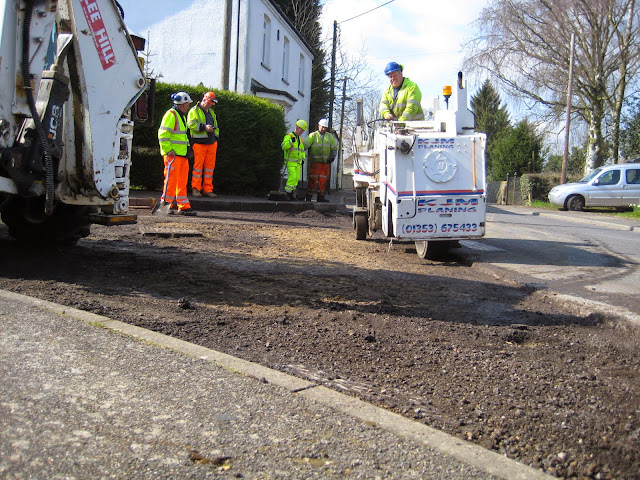 St Johns Close Resurfacing 23-03-2015. Pictures by Chris Cannon - IMG_1070.JPG