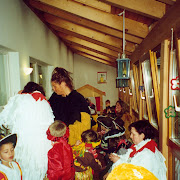 2001 Huehner im Kindergarten