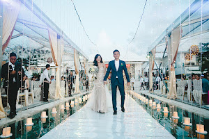 floating stage on a pool wedding
