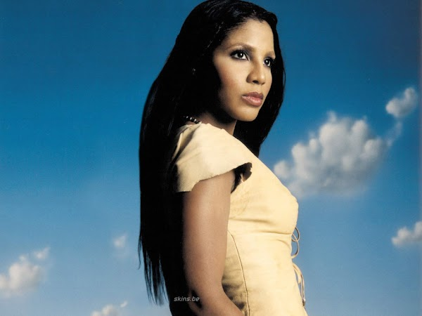 Toni Braxton American RB singer:wallpaper,fun girls0