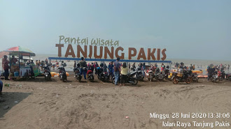 AKB Diberlakukan , Lokasi Pantai Wisata Tanjung Pakis Dipenuhi Wisatawan