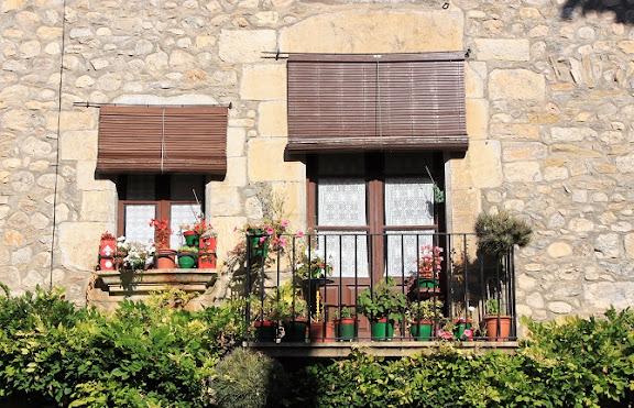Balcó a Sant Llorenç de la Muga.jpg