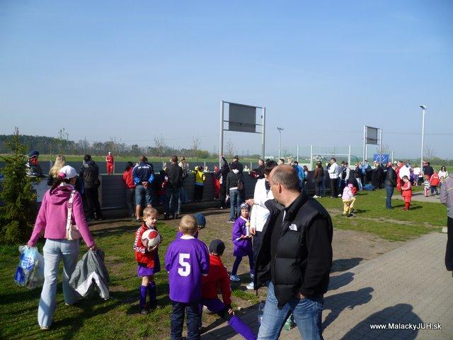 Veľkonočný medzinárodný ZLATÝ futbalový turnaj ČSFA (17.4.2011) - P1020032.JPG