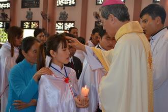 25 anh chị em tân tòng được tái sinh trong ngày Lễ Chúa Giêsu chịu phép rửa