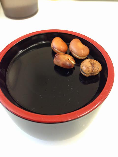 ラーメン屋一真軒の紅生姜と空豆-1
