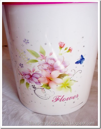 Pretty Flower Wastebasket