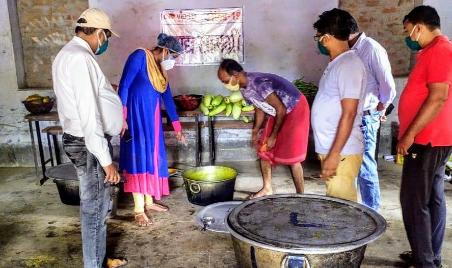 एसडीएम ने सामुदायिक रसोई का लिया जायजा, साफ-सफाई व सैनिटाइजेशन का दिया निर्देश