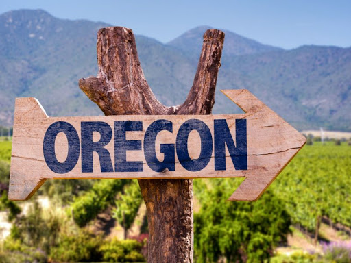 10 Fabulous Oregon Pinot Noirs for Less than $30