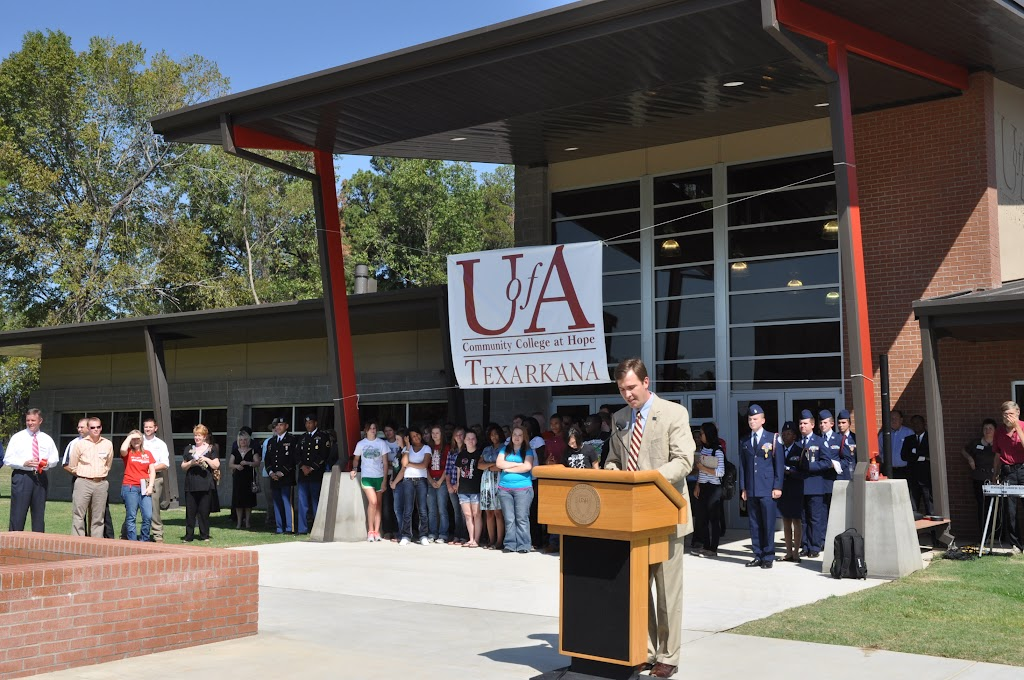UACCH-Texarkana Ribbon Cutting - DSC_0363.JPG