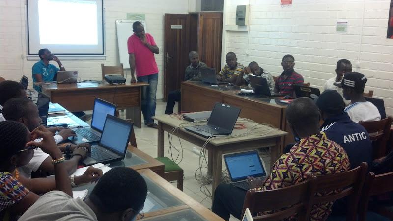 (c) cmNOG - Etat de Lieux des Déploiements IPv6 & DNSSEC au Cameroun, avec Eric.