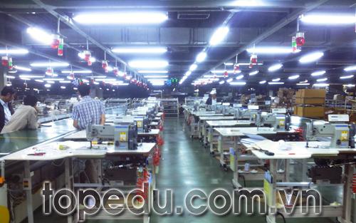 TopCorp ký hợp đồng thiết kế hệ thống tủ điều khiển dây chuyền may cho công ty TOYOTA
