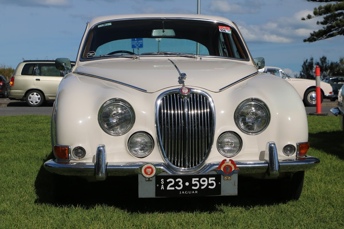 Jaguar Mk2 - British_Classic_Tour_6_May_2018_0206.JPG