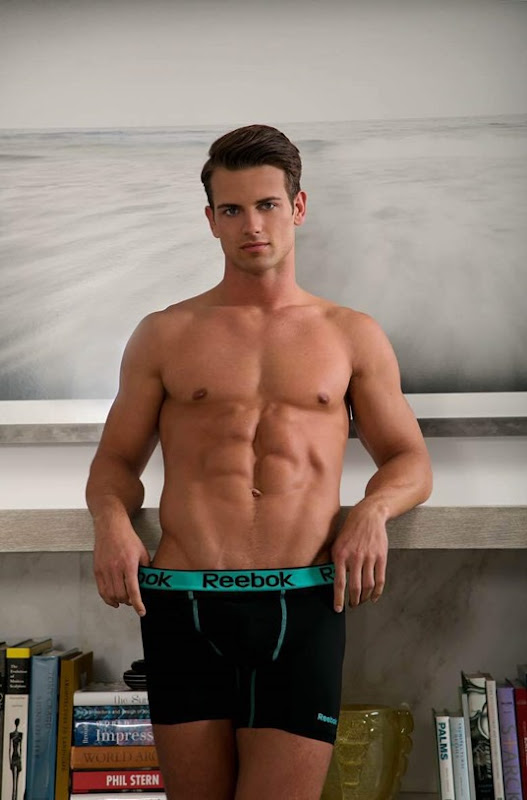 Alex-Sewall-by-Photographer-Adam-Raphael-160422-05