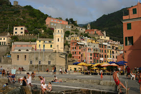 Church and square, Vernazza