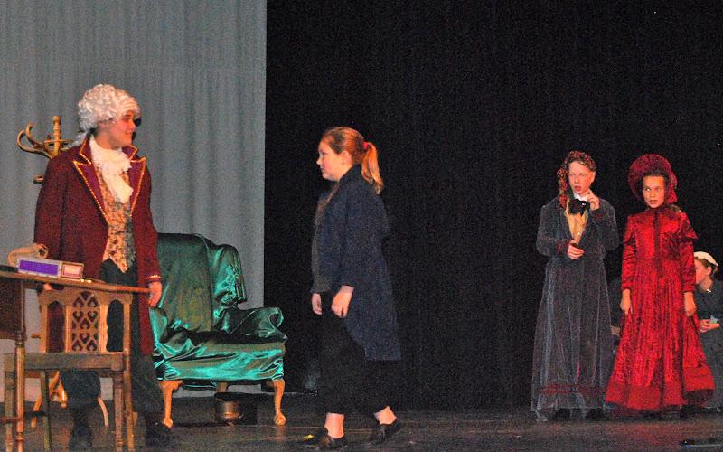 2009 Scrooge  12/12/09 - DSC_3383.jpg