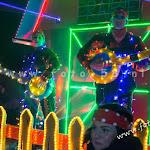 wooden-light-parade-mierlohout-2016081.jpg