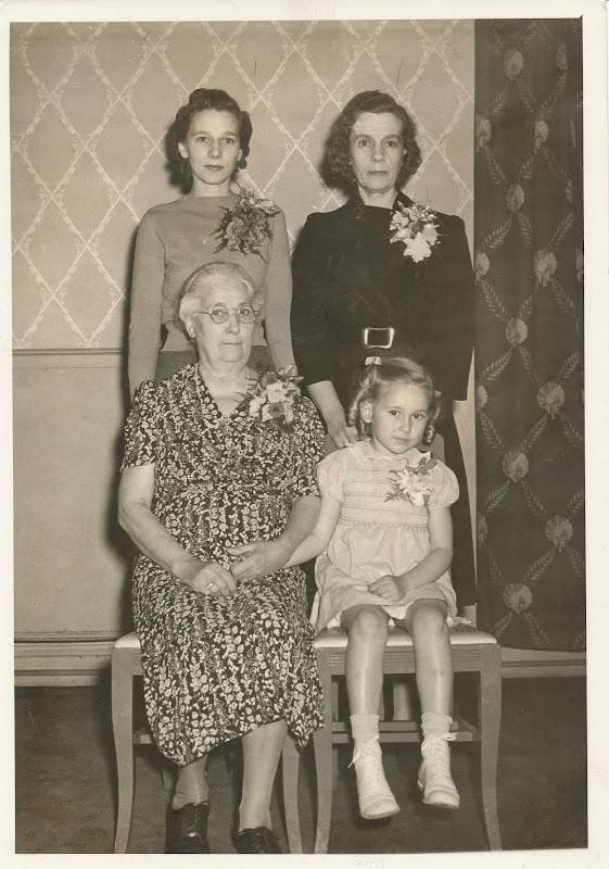 Dorothy, Henrietta, Gramma Drechsler, Martha