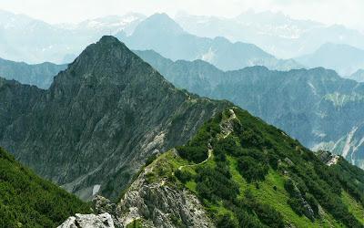 Blick vom Rubihorn Sattel zum Gaisalphorn und Höfats Oberstdorf Allgäu