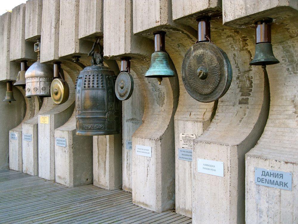 bells-monument-2