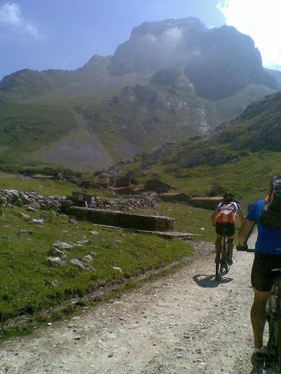 Vuelta al macizo oriental Picos de Europa - Domingo 22 15072011%2528049%2529