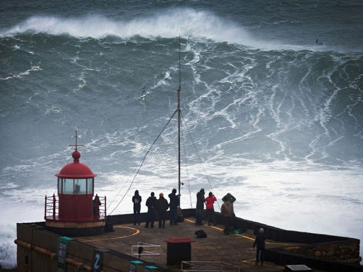Nazare-big-onde-5