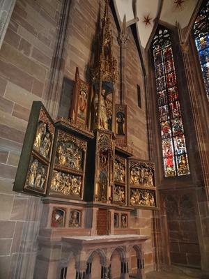 2017.08.22-022 retable dans la cathédrale