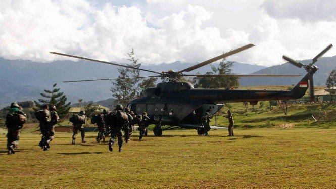Helikopter TNI Ditembaki KKB di Kiwirok, Evakuasi Nakes Dihentikan