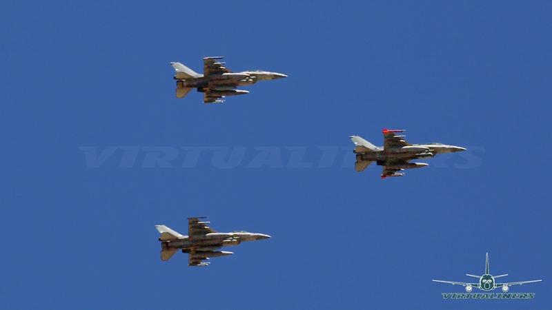 [F-16_block_50_Sobre_Santiago-03%5B3%5D]