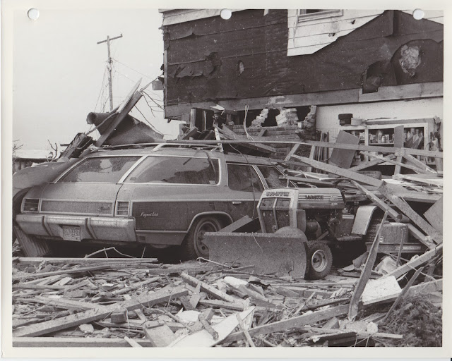 1976 Tornado photos collection - 112.tif