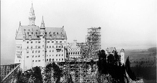 Aspecto de la construcción de Neuschwanstein a la muerte de Luis II.