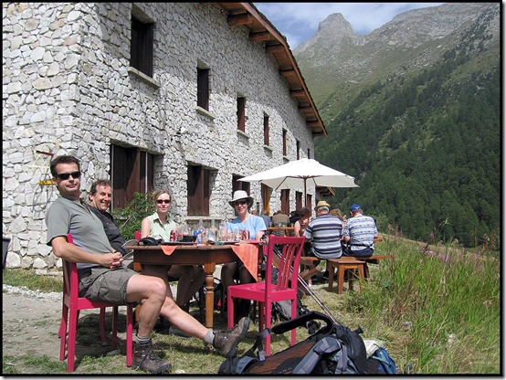 04-Lunch-at-Refuge-Orgere