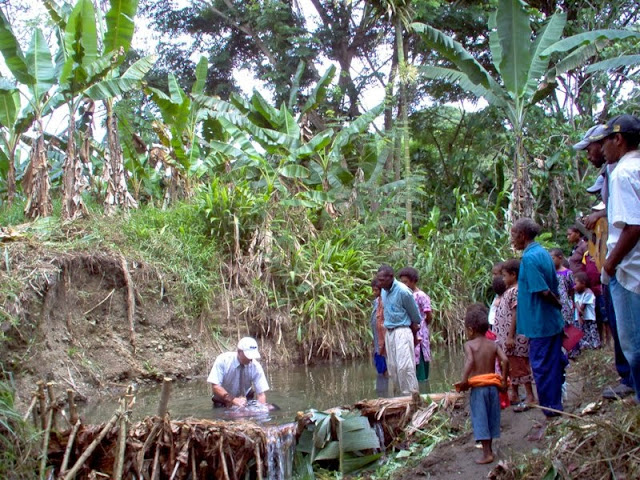 Baptism in Leklu