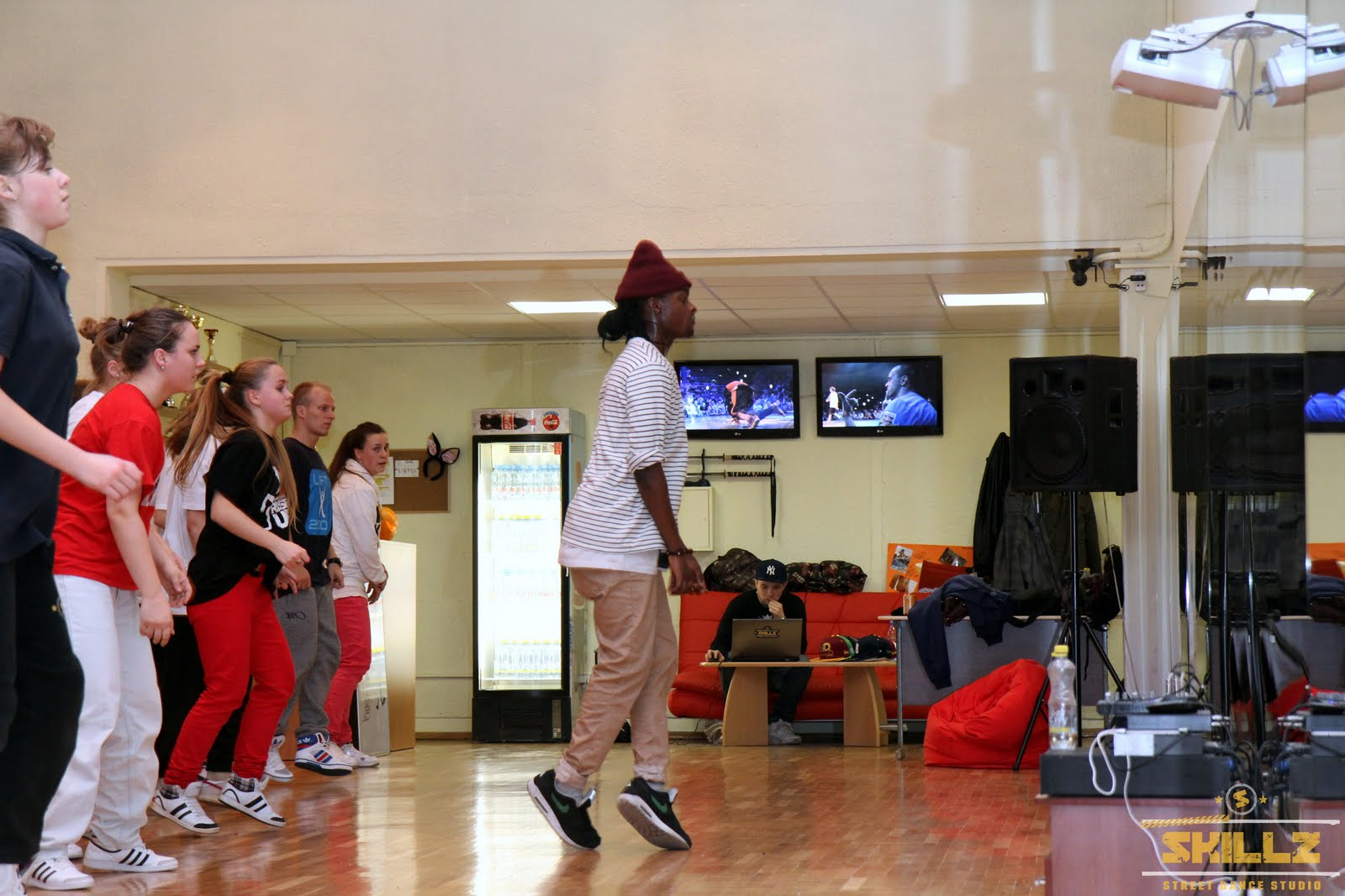 Hip- Hop workshop with Shaadow (UK) - IMG_1761.jpg