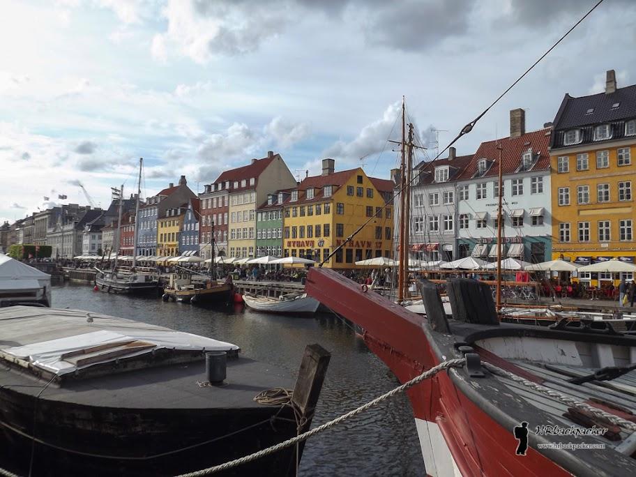 Sa Nyhavna kreće i većina izletničkih brodova za razgledavanje Kopenhagena iz vodene perspektive